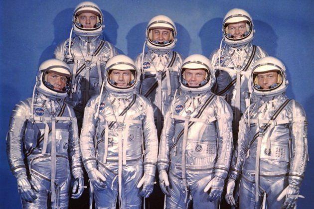 15. Легендарный проект «Меркурий 7» (Mercury Seven) состоял из группы семи астронавтов, выбранных для пилотирования космических полётов в рамках программы «Меркурий» с мая 1961 года по май 1963 года. Этими семью американскими космонавтами были Вирджил Гриссом (Grissom), Джон Гленн (John Glenn), Скотт Карпентер (Scott Carpenter), Уолтер Ширра (Wally Schirra), Гордон Купер (Gordon Cooper), Дональд Слейтон (Deke Slayton) и Алан Шепард (Alan Shepard)