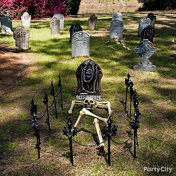 best 25 halloween graveyard decorations ideas on. Black Bedroom Furniture Sets. Home Design Ideas