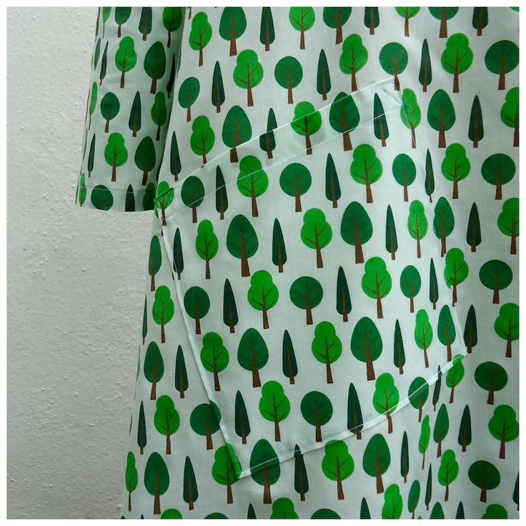 Tree print trapeze dress with (almost) hidden diagonal patch pocket made by @ivyarch. It's a modified version of the #Esmedress, blogged at www.ivyarch.co.uk This is my 7th version of this #LottaEverydayStyle dress