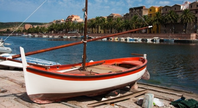 Sardinia in 8 days - small groups. Around Sardinia in 8 days, all the best of Sardinia on a tour that combines sea, mountains, good food tradition and culture.