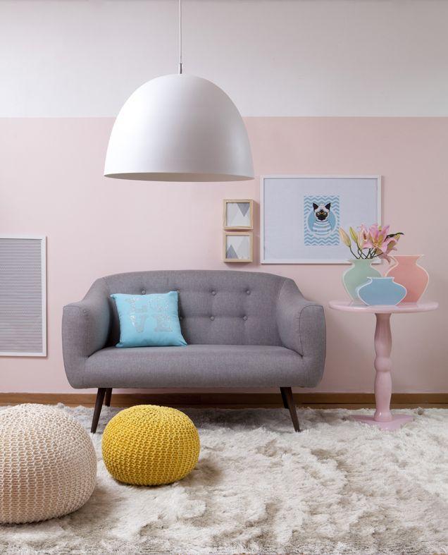 Candy colors por todos os lados! A sala de estar fica um amor com as cores chicletinhos, né?!