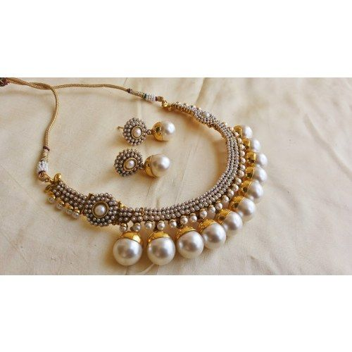 Cute Pearl Necklace...Treasured possession...       For similar products visit... http://fkrt.it/AoChUTuuuN