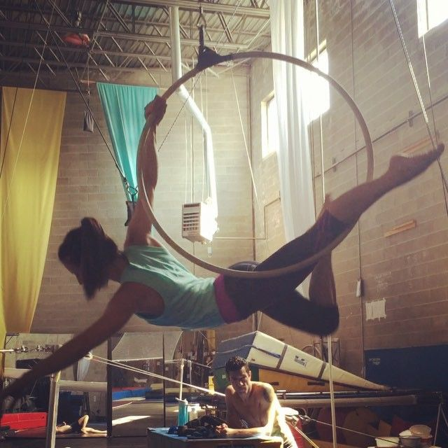 I'm subbing Level 2 Hoop for @sadieann tonight at 7:45 at Body and Pole!! Where are my hoopers at?! @bodyandpole #bodyandpole #circuswarehouse #lyra #lira #circuseverydamnday #cirque #circus #aerial #aerialist #aerialarts #aerialhoop #aereo #beautyroll