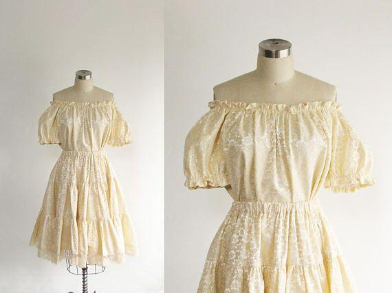 mariage de dentelle crème vintage des années 70 ensemble hors de l'épaule court chemisier cercle complet jupe / jupe taille haute / robe de mariage simple / gunne sax