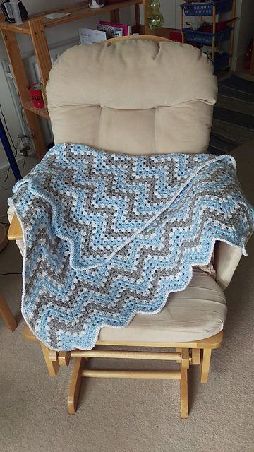 Blue Ripple Waves Baby Blanket Crochet Pattern #crochetideas #crochetlove