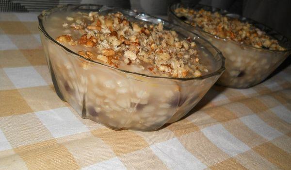 Ашуре с орехи и стафиди