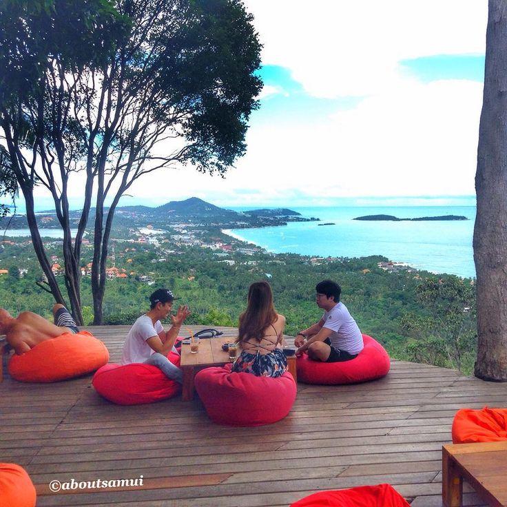 The best view on the island. Один из лучших видов на остров - в кафе Jungle Club Кстати, завтра в 13:30 здесь состоится рождественский шведский стол Цена: 1850 бат. #samui #Thailand #aboutsamui #самуи #таиланд #рестораныСамуи