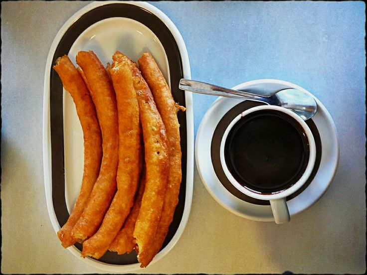 #Christmas in #Madrid wouldn't be the same without a good cup of hot chocolate and churros!