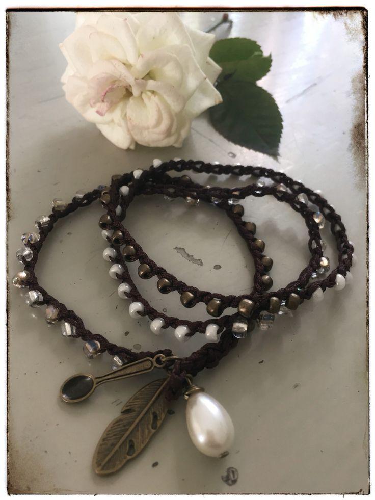 Bead bracelet crocheted with Miyuki beads. www.varalusikka.fi