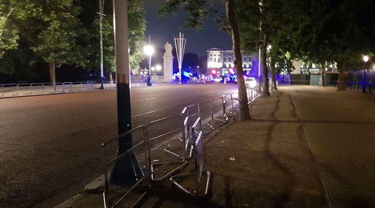 Επίθεση στο Μπάκιγχαμ: Ο δράστης είχε ξίφος και φώναζε «ο Αλλάχ είναι μεγάλος»