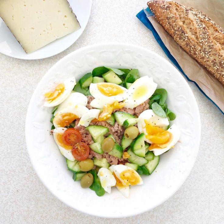Een heerlijke en gezonde tonijnsalade om deze zomer te maken. Snel en makkelijk en ook geschikt voor zwangeren & kinderen. Eet deze salade zo of op brood.