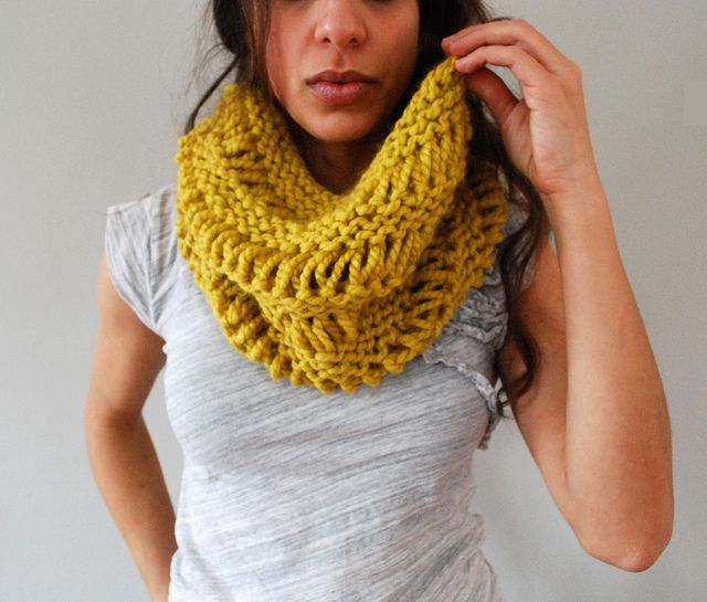 Drop Stitch Cowl in Citron by SpiderWomanKnits, ravelry - love the drop stitch with purl