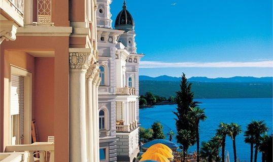Kvarner & Highlands: Opatija - Villa Madonna #Opatija #croatia  www.casademar.com