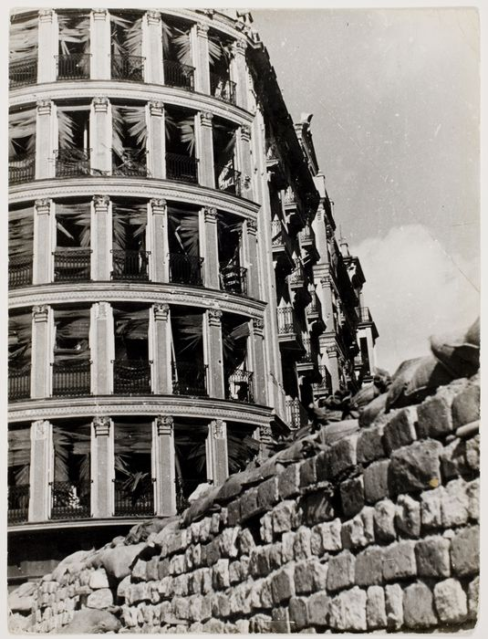 Casa de las Flores in ruins after an air raid, Madrid, Feb 1937//Robert Capa