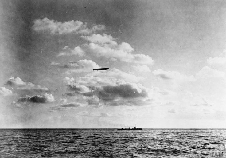 """Patrick Chovanec on Twitter: """"August 1915 - German zeppelin on bombing run to Britain, gliding over the English Channel. http://t.co/3zdTbCOOd7"""""""