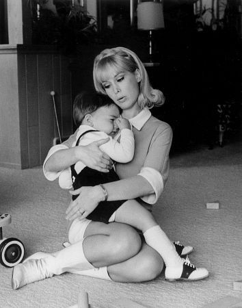 Barbara Eden with young son, Matthew (Ansara).