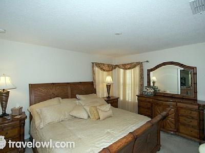 Emerald Isle 7 bed Villa master Bedroom with en-suite - near Disney