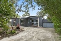 House: 3 bedrooms, 2 bathrooms, 2 carspaces for sale. Contact: Ben  Jackson re: 17  Birkdale Close, Anglesea