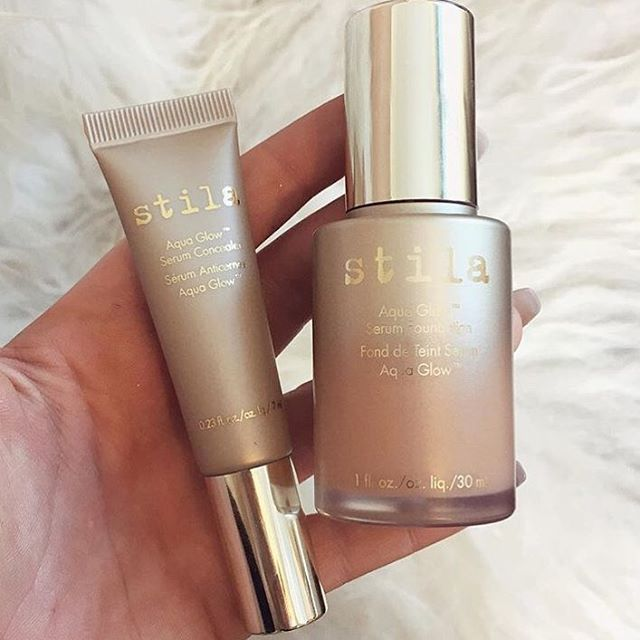 Midweek glow! ✨ Stila's Aqua Glow Serum Foundation's formula helps hydrate and nourish skin so that it glows with healthy-looking radiance. #aquaglow Shop link in profile.  Image via @rachleary