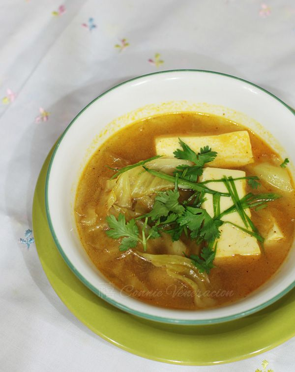 Thai-style tofu and green curry soup
