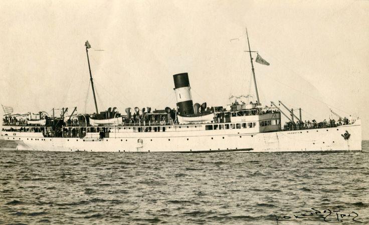 Το επιβατηγό ALBERTA της οικογένειας Ιγγλέση, βυθίστηκε από γερμανικά πυρά στις 23 Απριλίου 1941. / The Greek passenger ship ALBERTA, of the Inglessis family, sunk by German air-raid on 23 April 1941.