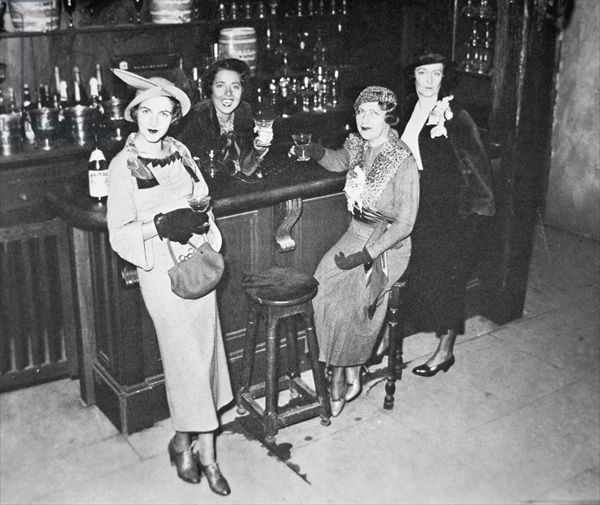 New York society women enjoy their first legal drink after the repeal of the Volstead Act in 1933 (b/w photo) / Peter Newark American Pictures