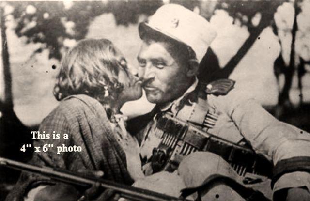 """Se conoce como adelitas o 'soldaderas' a las mujeres que participaron en la Revolución mexicana, en los contingentes militares de los distintos grupos revolucionarios como soldados, cocineras, enfermeras o ayudantes.[1]  Versiones historiográficas y periodísticas coinciden en señalar a Adela Velarde Pérez,[2] enfermera oriunda de Ciudad Juárez, como la persona que inspiró el corrido popular """"Adelita"""". Fue nieta de Rafael Velarde, amigo de Benito Juárez, quien dio alojo al Benemérito de las…"""