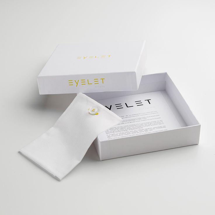 pochette da giacca Eyelet Milano, Sunday, piquet bianco e asola di cotone giallo, #madeinitaly #eyeletmilano
