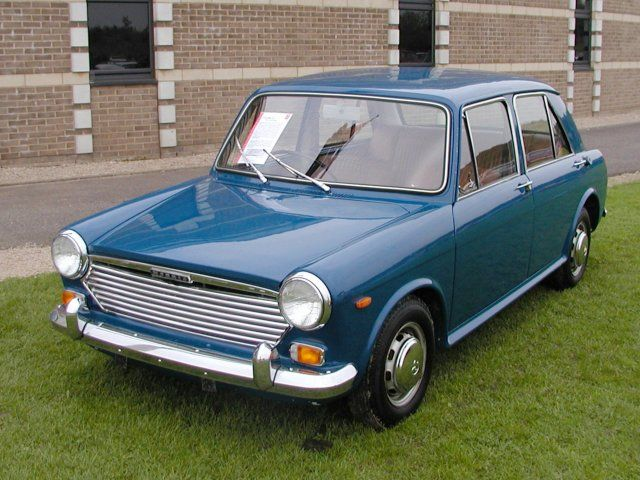 Austin 1300 this is the same as my very first car. Cost me £150 , got written off when some bloke drove into it while it was parked outside my mum and dads house, a very sad day .