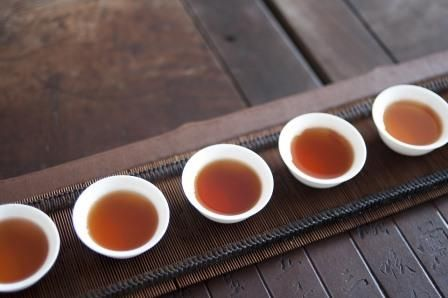 Research shows that drinking six cups of Rooibos tea each day can have amazing health benefits. How many do you manage to drink every day?