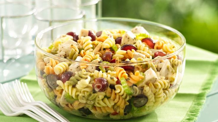 Pull off a dinner pasta salad in less than 30 minutes. Six easy ingredients are all you need.
