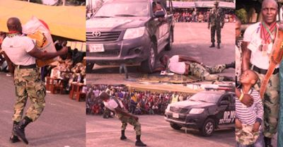 TODAY LATEST NEWS IN NIGERIA: THE MOST STRONGEST  NIGERIAN SOLDIER USES HIS TEET...