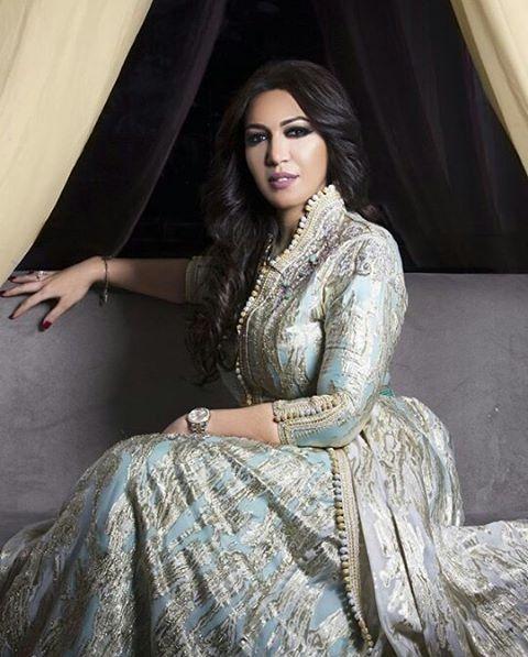 @asmalmnawar اللباس من @sophia_benyahia_kaftan Email: kaftan@sophiabenyahia.com…