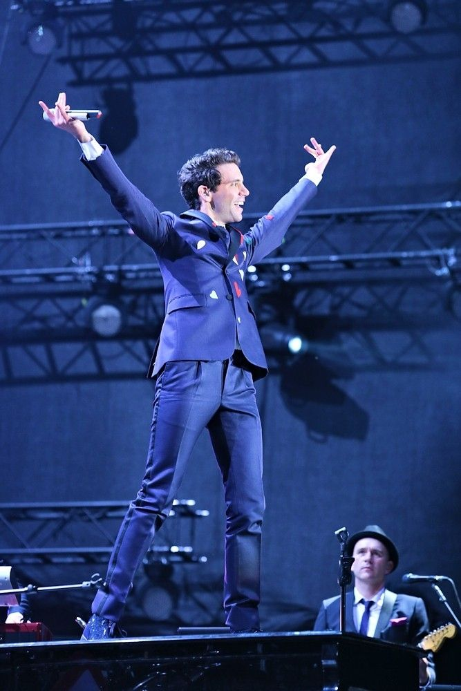 Incredible MIKA - Colours of Ostrava 2015