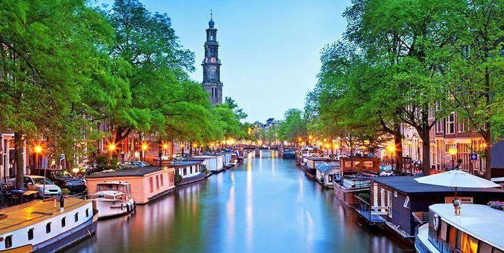 Molto probabilmente hai sentito parlare del quartiere a luci rosse di Amsterdam in quanto questo è un …