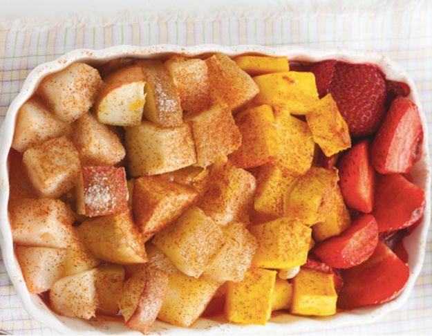Você já pensou em uma salada de frutas assada?   Sete ideias de cafés da manhã mais saudáveis para esta semana