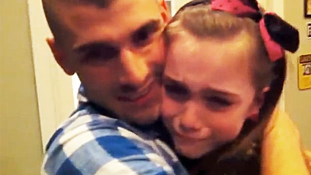 [VIDEO] Little Girl in Shock After Soldier Brother Returns ...