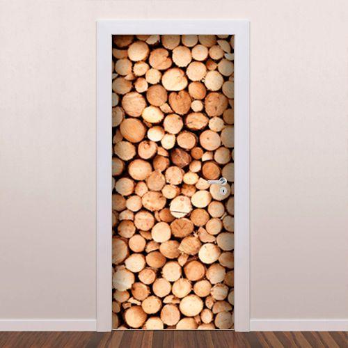 Adesivo decorativo para porta Imita Lenha é um adesivo ideal para decoração de portas. Decore sua casa com adesivos de porta e personalize seu ambiente...
