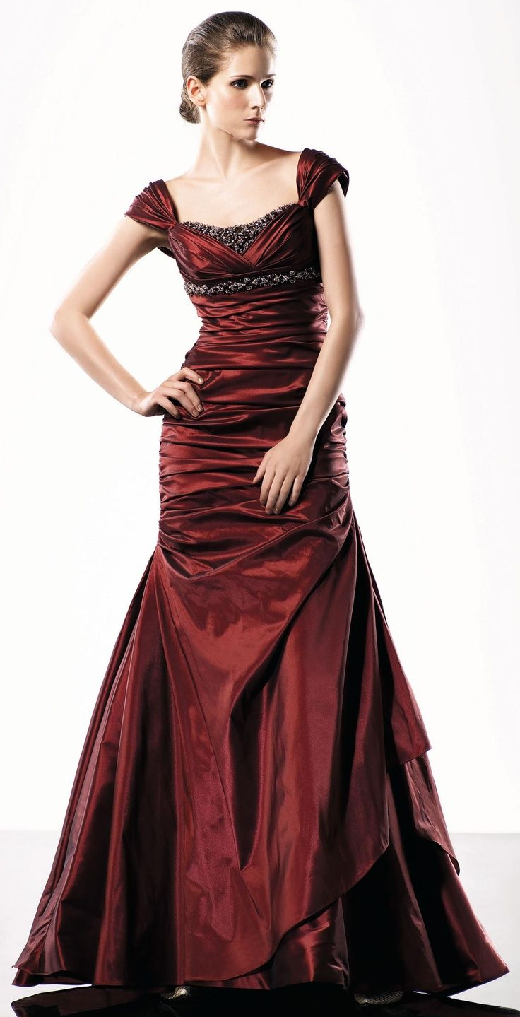268 best Cute Evening Gowns images on Pinterest | Long prom dresses ...