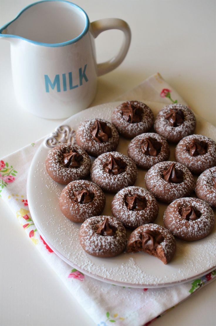 Fursecuri cu Nutella - o reteta cu doar 3 ingrediente si un rezultat spectaculos, o reteta care nu trebuie sa lipseasca de la micul dejun!
