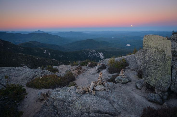 Moonrise over the White Mountains from Mount Chocorua New Hampshire [OC][3000x2000]