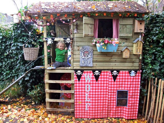Speelhuisje by Zilverblauw, via Flickr
