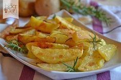 Patate al forno, tutti i segreti per preparare delle ottime patate al forno, croccanti fuori e morbide dentro, ideali per accompagnare secondi di carne.