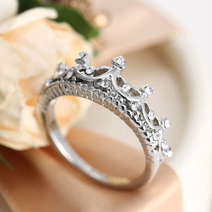 Hot Sale Crystal Queen's Crown Rings For Women Punk Brand Femme Wedding Engagement Jewellery