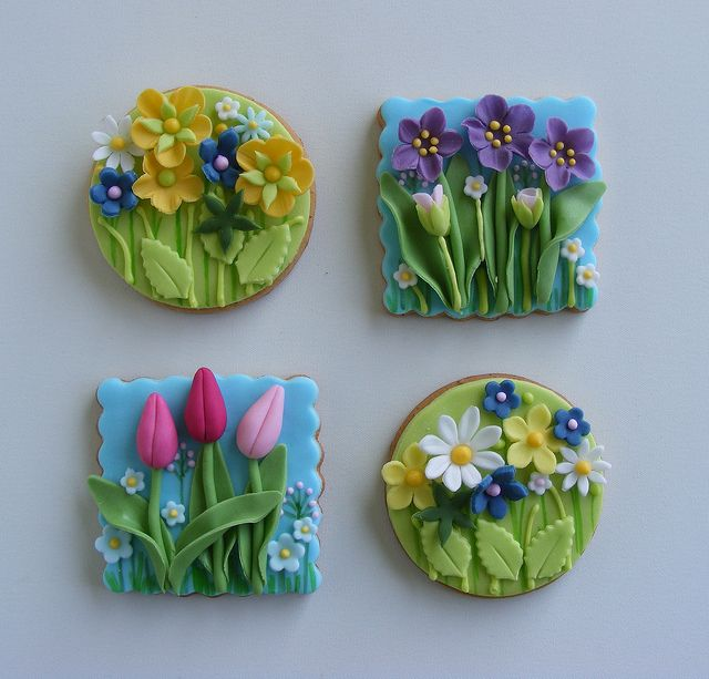 Beautiful Spring flower cookies!  tulips daisies, Polymer Clay, masa flexible