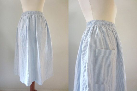80s Sailorette Striped Seersucker Skirt in White and Blue, M-L, W28-W32 // Vintage Mid Length Pocket Skirt