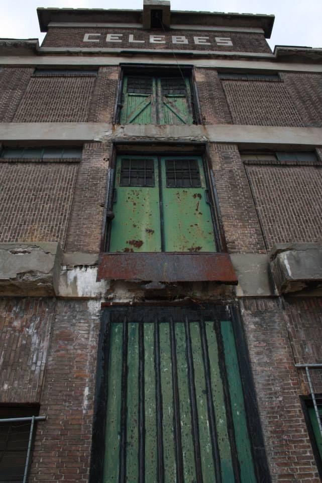 Kop van Zuid. Entrepot gebouw.