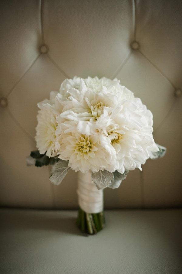 Wedding Bouquet With Dahlias : Cream dahlias in bouquet wedding photography favorites