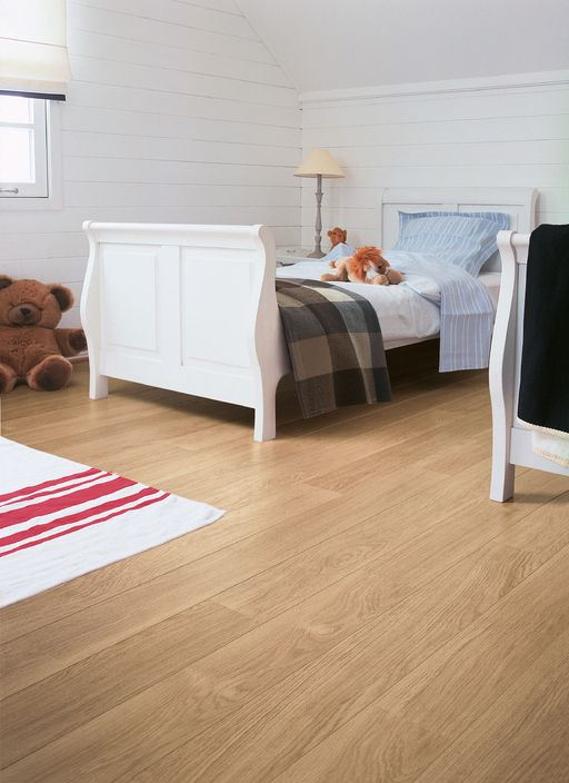 QuickStep PERSPECTIVE White Varnished Oak Planks 2v-groove Laminate Flooring 9.5 mm, QuickStep Laminates - Wood Flooring Centre