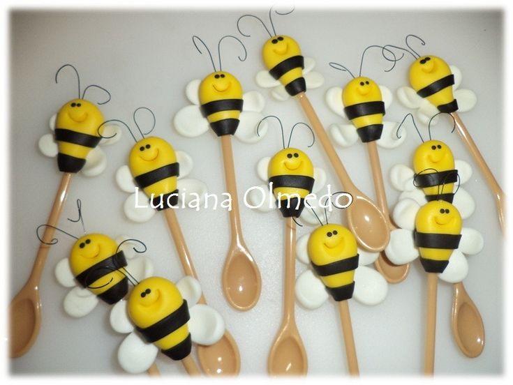 Colherinha de abelha para docinhos no copinho...